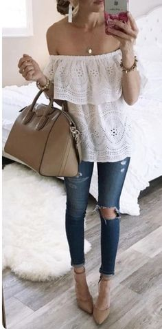 summer outfits White Eyelet Off The Shoulder Top Destroyed Skinny Jeans Classy Outfits, Chic Outfits, Spring Outfits, Trendy Outfits, Fashion Outfits, Fasion, Fashion Women, Women's Fashion, Fashion Design
