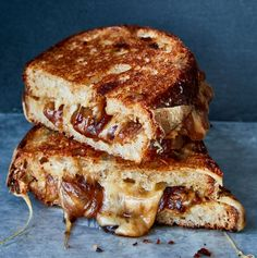 A Dinner-Worthy Grilled Cheese - Hello again Five Weeknight Dishes readers. I hope youre not feeling pressured to cook dinner tonight. Most of us are already spending more time than usual thinking about food and how to get and keep it. Grilled Cheese Recipes, Perfect Grilled Cheese, New Cooking, Cooking Nytimes, Cooking Recipes, Slice Of Bread, French Onion, Caramelized Onions, Perfect Food