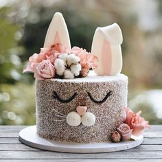 Oh what a lil cutie pie! 🐇💗🌸 this bunny cake is j.- Oh what a lil cutie pie! 🐇💗🌸 this bunny cake is j… Oh what a lil cutie pie! Sweet Cakes, Cute Cakes, Food Cakes, Cupcake Cakes, Baking Cupcakes, Cake Baking, Cupcake Ideas, Easter Bunny Cake, Bunny Cakes