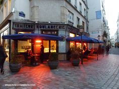 Paris, 4th arrondissement, nightfall