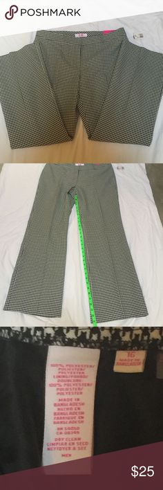 "9 & Co. Houndstooth Black and White Pants These pants are cute and trendy! They are the ""Modern Fit"", which I apparently don't look that great in! I think I might be too old to wear them.  They have never been worn & still have tags!  Enjoy!  9 & Co. Pants Boot Cut & Flare"