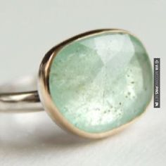 Cool! - Colombian emerald ring | CHECK OUT MORE GREAT GREEN WEDDING IDEAS AT WEDDINGPINS.NET | #weddings #greenwedding #green #thecolorgreen #events #forweddings #ilovegreen #emerald #spring #bright #pure #love #romance