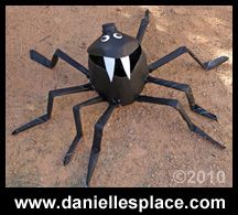 Milk Jug Spider Craft to put Halloween Candy in if you won't be home for Trick-or-Treaters Animal Crafts For Kids, Kids Crafts, Crafts To Make, Kids Animals, Holidays Halloween, Halloween Crafts, Halloween Ideas, Halloween Decorations, Homemade Halloween