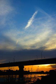 多摩川。夕暮れ。白羽の矢。