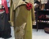 Très élégant manteau réversible en drap de laine et taffetas floqué vert olive : Manteau, Blouson, veste par anne-g-creation