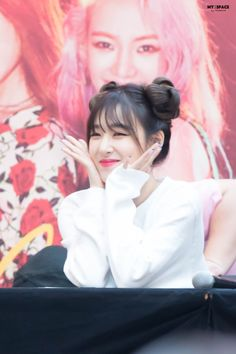 My smol muffin Tiffany Hwang <3