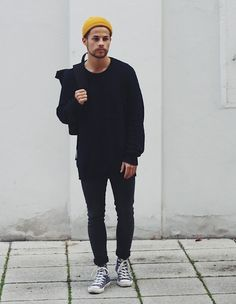 Different Types Of Sneakers Every Man Needs Grey Converse Outfits, Converse Style, Converse Men, Workwear Fashion, Indie Fashion, Mens Fashion, Fashion Guide, Beanie Outfit, Milan Fashion Weeks