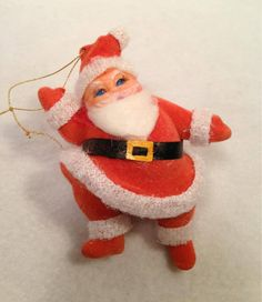 my grandmother had these on her tree, i have been looking everywhere for years trying to find one or more! sweet memory...