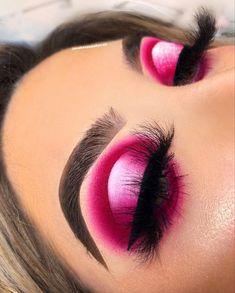 makeup eyeshadow looks - makeup eyeshadow ; makeup eyeshadow step by step ; makeup eyeshadow looks Halo Eye Makeup, Makeup Eye Looks, Eye Makeup Art, Colorful Eye Makeup, Pink Makeup, Colorful Eyeshadow, Makeup Inspo, Makeup Ideas, Makeup Inspiration