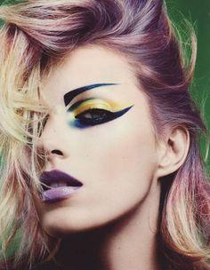 Dramatic eye makeup x