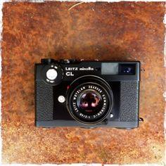 RAMÓN GRAU. Director of Photography: La pequeña LeicaCL . De padres Leits y minolta . Camaras de casa . Barcelona octubre de este año .