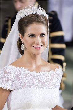 El precioso rostro de la Princesa Magdalena de Suecia deslumbró durante su boda en Junio pasado. Maquillado de forma sutil y de acabado muy ...
