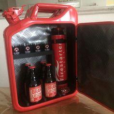 Zu verkaufen Feuerwehr Kanister mit Firestartervodka, 4 shotgläser, 4 Brandlöscher biere und Flaschenöffner #jerrycan #jerrycanminibar #kanister @alles_im_kanister #brandlöscher #bier #beer #vodka #wodka #firestartervodka #feuerwehr #firestarter #firefighter #firefighters #geschenk #gift #selbergemacht #hobby