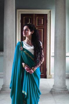 Römisches Reich v. Historical Costume, Historical Clothing, Ancient Roman Clothing, Roman Dress, Greek Dress, Roman Clothes, Roman Fashion, Fantasy Dress, Roman Empire