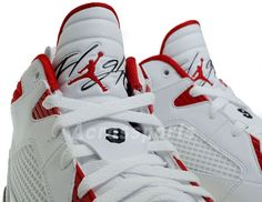 air-jordan-flight-9-white-black-varsity-red-available-summary.jpg (570×441)