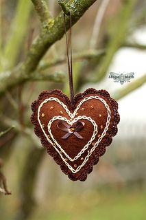 Heart shaped felt ornaments (7)