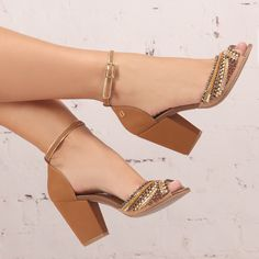 Jewellery For Lady - Pretty Shoes, Beautiful Shoes, Cute Shoes, Me Too Shoes, Zapatillas Peep Toe, Ella Shoes, Shoe Boots, Shoes Sandals, Bridal Sandals