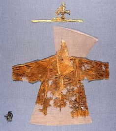 Children chemise made of fabrics imported from Spain in 1270-80, Prague castle, Photo - Cesky rozhlas