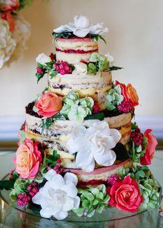 Wedding cake idea; Featured Photographer: Max Wanger Photography