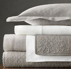 Linen is antibacterial – having the ability to suppress bacteria, micro flora, and fungi.  It stimulates blood flow and promotes relaxation. It's warm in the winter and insulating and cool in the summer (no more sweaty summer nights!).