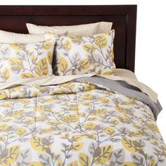 Room Essentials® Sketch Leaf Comforter - Yellow