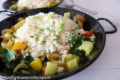 Deze romige Curry schotel is helemaal vegetarisch. Maar tonijn- of kipstukjes met een beetje sojasaus of knapperig gegrilde kippenpootjes kunnen er ook bij.