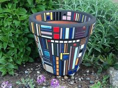 Mosaic Flower Pot Frank Lloyd Wright Inspired by MosaicsByJoan. this should sell well. Mosaic Planters, Mosaic Vase, Mosaic Flower Pots, Mosaic Tiles, Mosaics, Pebble Mosaic, Mosaic Crafts, Mosaic Projects, Mosaic Madness