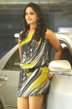 Anushka Actress Anushka, Bollywood Actress Hot, Arab Girls, Indian Girls, Hot Actresses, Indian Actresses, Prabhas And Anushka, Anushka Photos, Indie Mode