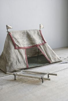 Awesome vintage toy tent from @everyeskimo { regina }