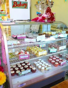 The Flying Cupcake Bakery, Indianapolis, Illinois.