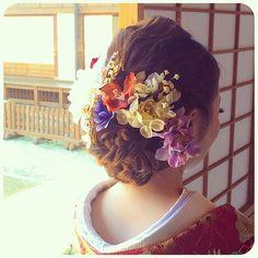 和装の髪型はどうする?* お花を飾った人気の 「洋髪*5タイプ」 をご紹介します♡ | ZQN♡ | ページ2
