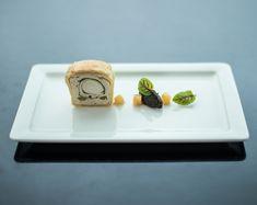 Heute mal wieder eine #Köstlichkeit aus längst vergangenen Tagen vom #Restaurant1809 am #Bergisel. Edel serviert sehen wir hier ein #Kaninchen mit schwarzen #Nüssen und #Preiselbeeren. #tischkulturpur #edelserviert #platesforchefs #dergeschirrspezialist #gastrotrends #porcelain Foto: Reinisch Dorian Butter Dish, Dishes, Bunnies, Tablewares, Easy Meals, Dish, Signs, Dinnerware