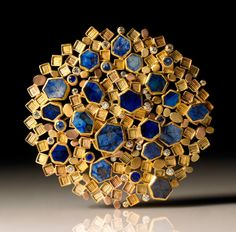 """Brooch by Judith Kaufman. yellow gold, green gold, rose gold, sapphires and diamonds. Funny how """"lapis"""" looks so good against """"gold,"""" but """"blue and yellow"""" makes me think of kitchen curtains. Contemporary Jewellery, Modern Jewelry, Jewelry Art, Vintage Jewelry, Fine Jewelry, Handmade Jewelry, Jewelry Making, Etsy Jewelry, Art Nouveau"""