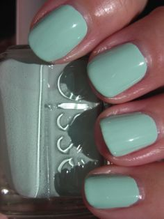 More on the greenish Turquoise - nails w/ manicure. Color is: Essie Mint Candy Apple Mint Green Nail Polish, Mint Green Nails, Mint Nails, Nail Polish Colors, Mint Toes, Pastel Nails, Cute Nails, Pretty Nails, Gorgeous Nails
