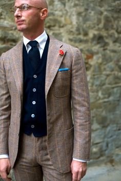 e55ffe2dac5f 24 Best Boutonnieres images   Man fashion, Dress suits for men, Mens ...