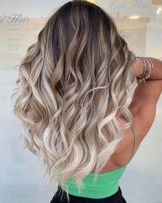 Platinum Blonde Balayage, Blonde Streaks, Hair Color Balayage, Blonde Highlights, Brown Blonde Balayage, Blonde Balayage On Brown Hair, Balyage Hair, Blonde Tips, Blonde Hair Looks