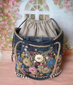 Best 12 Handmade women's bags. Order jeans … – Diy And Craft – SkillOfKing. Jean Purses, Purses And Bags, Denim Purse, Patchwork Jeans, Denim Ideas, Denim Crafts, Fabric Bags, Handmade Bags, Handmade Leather