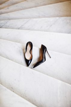 High heels | Marble floor | Black | Classy | More on Fashionchick.nl