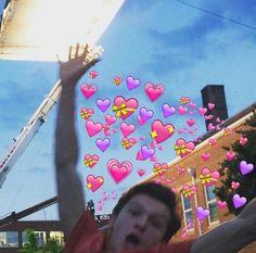 Avengers Memes, Marvel Memes, Siper Man, Tom Holland Peter Parker, Cute Love Memes, Emoji Wallpaper, Phone Wallpapers, Loki Marvel, Wholesome Memes