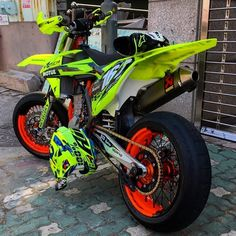 June 22 2019 at Ktm Dirt Bikes, Motorcycle Dirt Bike, Futuristic Motorcycle, Dirt Bike Girl, Moto Bike, Ktm Supermoto, Motard Bikes, Motocross Maschinen, Velentino Rossi