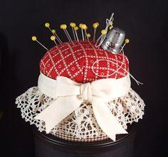 ribbon n lace pincushion Cute Crafts, Crafts To Make, Diy Crafts, Sewing Circles, Needle Book, Tiny Treasures, Stick Pins, Cute Pins, Love Sewing