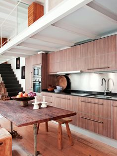 wood kitchen  - for more inspiration visit http://pinterest.com/franpestel/boards/