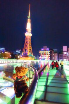 さすらいのジョニー。Johnny's journey City Cityscape Illuminated Night Travel Destinations
