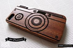 SALE30%OFF: Natural Wood iPhone 5 Case - Engraved Vintage Camera iPhone Case // Photography, Sapele