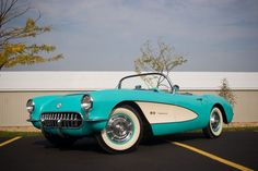 This turquoise 1957 Chevrolet Corvette Roadster is perfect for any lady that dreams about an American classic. The Chevrolet Corvette is the first generation of the Corvette sports car produced by Chevrolet. 1957 Chevrolet, Chevrolet Corvette C1, Convertible, Ferrari, 1950s Car, Roadster, Classic Chevy Trucks, Best Classic Cars, Limousine