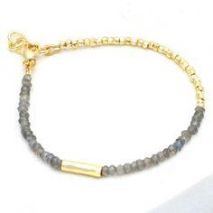 Making Bracelets With Beads, Beaded Bracelets Tutorial, Handmade Bracelets, Diy Jewelry Set, Beaded Jewelry, Jewelry Necklaces, Jewelry Ideas, Jewelry Making, Embroidery Bracelets