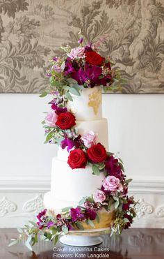 Golden map wedding cake by Kasserina Cakes
