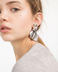 Image 2 of TWISTED-EFFECT EARRINGS from Zara