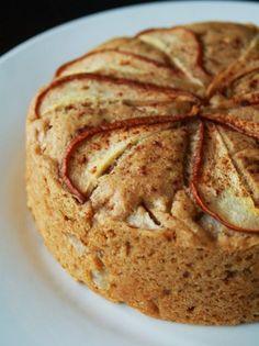 For the Love of Leaves: Vanilla Pear Cake (Vegan)