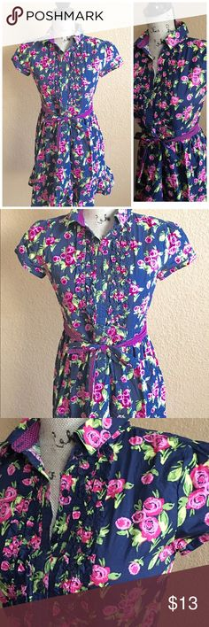 WOMENS FLORAL DRESS SZ XL Floral Dress button down size XL buts fits more like a large. No stretch in material. Dresses Midi